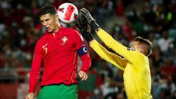 Selecao das Quinas tanpa ampun menghajar tamunya dengan lima gol tanpa balas. (AFP/Carlos Costa)
