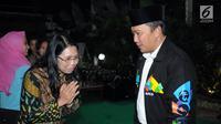 Mantan atlet peraih medali Asian Games, Yayuk Basuki berbincang bersama bersama Menpora Imam Nahrawi di Jakarta, Senin (28/5). Acara tersebut dihadiri atlet pelatnas Asian Games 2018 dan para mantan atlet peraih medali. (Liputan6.com/Helmi Fithriansyah)