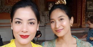 Bagi penikmat sinetron tahun 90-an, pasti kalian tidak asing dengan nama Happy Salma dan Lulu Tobing. Dua artis ini ternyata berteman baik sejak bermain bersama dalam sinetron Tersanjung. (Foto: instagram.com/happysalma)