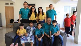 Mertua SBY Meninggal, Ini 7 Potret Kenangannya Bersama Menantu dan Cucu