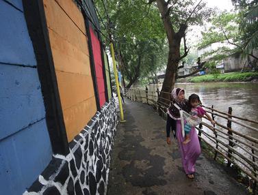 20170323-Kampung Warna Warni tanpa Rokok di Cipinang Besar Selatan-Antonius