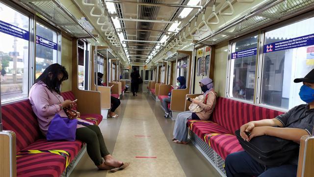 Penumpang KRL Diperbolehkan Makan di Dalam Kereta untuk Berbuka ...