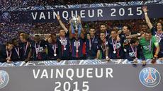 Paris Saint-Germain berhasil meraih trofi Piala Prancis usai mengandaskan perlawanan AJ Auxerre dengan skor 1-0. Gol semata wayang kemenangan PSG di final yang berlangsung di Stade de France, Minggu (31/5) dini hari WIB, disarangkan Edinson Cavani.