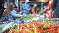 Pedagang cabai pun turut kelabakan saat cabai rawit tak laku di pasaran. (Liputan6.com/Muhamad Ridlo)
