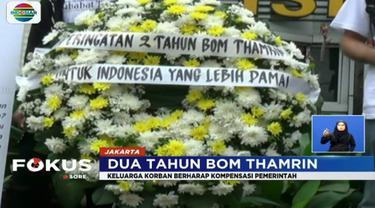 Sejumlah keluarga korban memperingati tragedi bom MH Thamrin dengan menggelar aksi tabur bunga dan doa bersama.