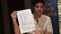 Ammar Zoni menggelar jumpa pers soal kebebasan dirinya (Liputan6.com/Rizkky Aditya Saputra)