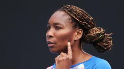 Petenis Venus Williams terlibat kecelakaan obil pada Juni 2017 dan satu orang pun tewas. Venus adalah orang yang menjadi pengemudi dan bertanggung jawab dalam kecelakaan itu. (Hello Magazine)