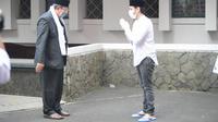 Menteri Pendidikan dan Kebudayaan (Mendikbud), Nadiem Makarim, melaksanakan Salat Idul Adha 1441 H di Masjid Baitut Tholibin kantor Kemendikbud, Jakarta, Jumat (31/7/2020).