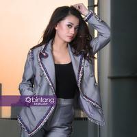 Angie Virgin saat ini kembali ke Indonesia, ada apa? (Foto: Bambang E Ros, Mua&HD: @ramaadhe_makeup , Busana: @fruthboutique , Stylist: Indah, DI: Nurman Abdul Hakim/Bintang.com)