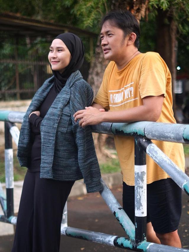 Zaskia Adya Mecca dan Hanung Bramantyo