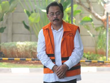 Gubernur Kepulauan Riau nonaktif Nurdin Basirun tiba untuk menjalani pemeriksaan di Gedung KPK, Jakarta, Selasa (13/8/2019). (merdeka.com/Dwi Narwoko)