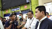 Menteri Badan Usaha Milik Negara (BUMN) Erick Thohir melakukan kunjungan kerja ke Stasiun Gambir pada Kamis (12/03/2020). (Liputan6.com/Athika Rahma)