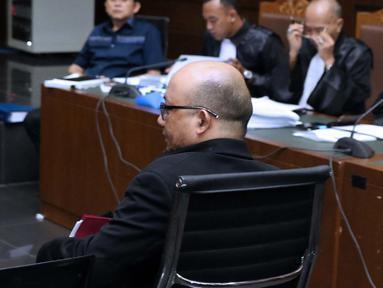 Penyidik KPK, Novel Baswedan bersiap menjadi saksi pada sidang dugaan menghalangi proses penyidikan terhadap mantan petinggi Lippo Group, Eddy Sindoro dengan terdakwa, Lucas di Pengadilan Tipikor, Jakarta, Kamis (10/1). (Liputan6.com/Helmi Fithriansyah)