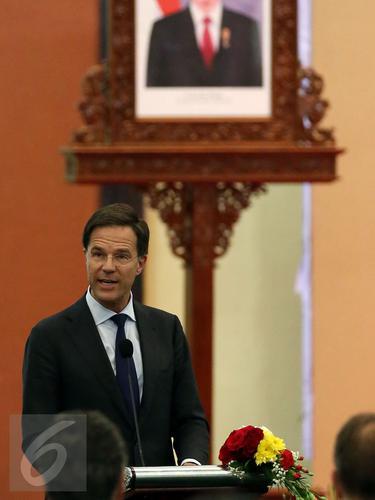 20161123-PM Belanda Kunjungi DPR RI-Jakarta