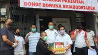 Keluarga Besar Panjaitan atau Punguan Panjaitan Dohot Berupa (PPDB) se-Jabodetabek menggelar aksi solidaritas untuk meringankan beban sesama yang terdampak akibat Covid-19.