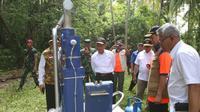 Menko PMK Muhadjir Effendy melakukan peninjauan di Pulau Sebaru Kecil yang menjadi lokasi observasi WNI Kapal World Dream dan Diamond Princess, Jumat (28/2/2020). (Dok Kementerian Koordinator Bidang Pembangunan Manusia dan Kebudayaan)