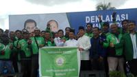 Belasan pengemudi ojek online mendukung kemenangan Ishak-Yudha dalam Pilkada Sumsel 2018 (Liputan6.com / Nefri Inge)