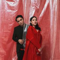 Raisa dan Dipha Barus garap single terbaru yang dikemas dalam 2 versi. (Foto: Juni Records)