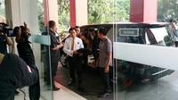 Yusril Ihza Mahendra saat tiba di kantor DPP PDIP Jakarta. (Liputan6.com/Nanda Perdana Putra)