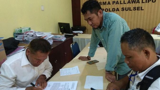 Agen Abu Tours se-Indonesia melapor ke Polda Sulsel (Liputan6.com/ Eka Hakim)#source%3Dgooglier%2Ecom#https%3A%2F%2Fgooglier%2Ecom%2Fpage%2F%2F10000