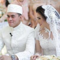Cynthia Ramlan menikah dengan Elang Tjokro. (Instagram @ollaramlanaufar)