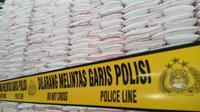 Gula rafinasi ilegal dari gudang itu rencananya bakal diedarkan ke enam provinsi di Indonesia, salah satunya melalui jaringan toko ritel. (Liputan6.com/Eka Hakim)