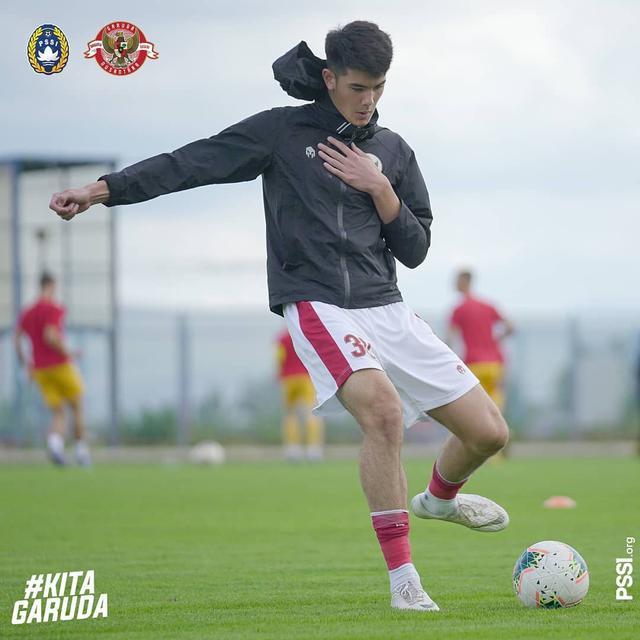 Tim Pelatih Timnas Indonesia U 19 Ungkap Kekurangan Elkan Baggott Indonesia Bola Com