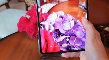 Galaxy Fold telah dirilis di Indonesia dengan banderol harga Rp 30,8 jutaan.