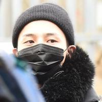 G-Dragon baru saja resmi menjalani wajib militer. Ia meninggalkan dunia hiburan Korea selama dua tahun ke depan. (Foto: Soompi.com)