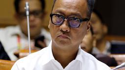 Menteri Sosial Agus Gumiwang Kartasasmita saat mengikuti rapat kerja bersama Komisi VIII DPR di Jakarta, Rabu (24/10). Rapat membahas penyesuaian RKA K/L Tahun 2019 suai hasil pembahasan dari Badan Anggaran DPR. (Liputan6.com/JohanTallo)