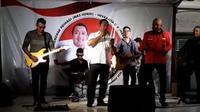 Calon Wali Kota Semarang petahana Hendrar Prihadi tertangkap kamera sedang nge-band tanpa masker dan diprotes warganet. (foto : Liputan6.com/twitter/edhie prayitno ige)