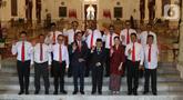 Presiden Joko Widodo bersama Wapres Ma'ruf Amin foto bersama dengan para Wakil Menteri setelah diperkenalkan di Istana Merdeka, Jakarta, Jumat (25/10/2019). Jokowi memperkenalkan 12 nama wakil menteri yang akan membantu menteri Kabinet Indonesia Maju Jokowi-Ma'ruf Amin. (Sports Unisda.com/Angga Yuniar)