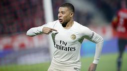1 - Kylian Mbappe (Paris Saint-Germain) - Kecepatan: 96 dan Akselerasi: 97. (AP/Christophe Ena)