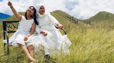 Khanaya Neysha dan Keysha Putri