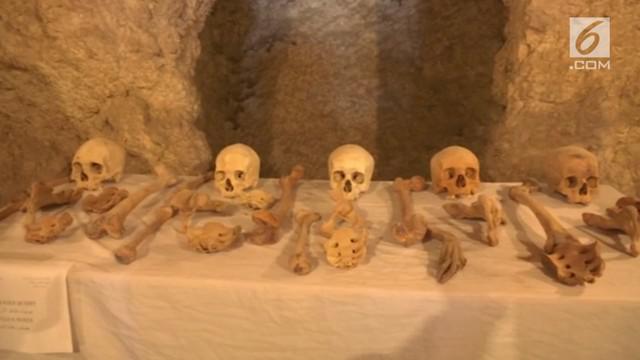Para Arkeolog Mesir menemukan dua makam kecil di kota Luxor, Mesir yang berusia 3500 tahun.