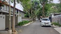 Rumah mantan Sekretaris Mahkamah Agung Nurhadi di Hang Lekir, Jakarta, Selasa (18/2/2020). (Liputan6.com/Nanda Perdana Putra)