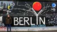 Tembok Berlin dengan Grafiti yang Menakjubkan