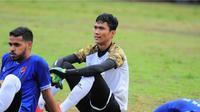 Kiper PSM Makassar, Hilman Syah mengikuti Liga Ramadan di Makassar. (Abdi Satria/Bola.com)