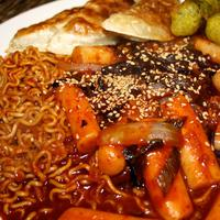 Menyicipi lezatnya kuliner Korea dalam 13 potret.
