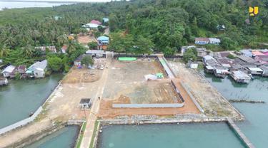 Pos Lintas Batas Negara (PLBN) Terpadu Serasan di Kabupaten Natuna, Kepulauan Riau