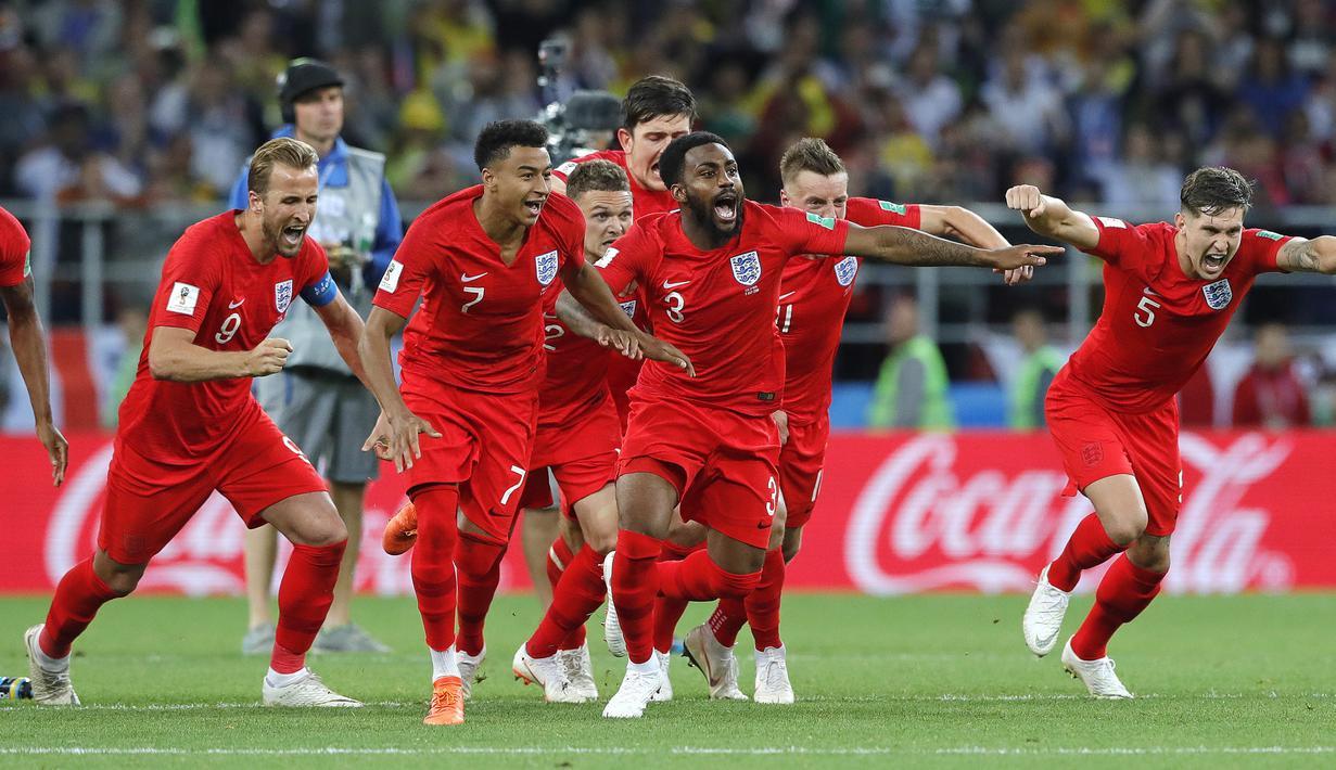 Para pemain Inggris merayakan kemenangan atas Kolombia pada babak 16 besar Piala Dunia di Stadion Spartak, Moskow, Selasa (3/7/2018). Inggris menang 1-1 (4-3) atas Kolombia. (AP/Ricardo Mazalan)