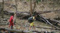 Masyarakat dusun Waolo, Desa Molotabu, Kecamatan Kabila Bone, Bone Bolango (Bonebol), Gorontalo hidup tanpa listrik dan gawai. (Liputan6.com/Arfandi Ibrahim)