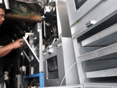 Sejumlah oven dijajakan di salah satu toko kawasan Cawang, Jakarta, Minggu (19/5/2019). Permintaan oven di bulan Ramadan meningkat hingga dua kali lipat atau seratus persen dibandingkan hari biasa. (merdeka.com/Iqbal Nugroho)