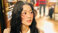 Dalam postingan foto tersebut, Seolhyun terlihat memandang ke satu arah dengan sorot mata yang kalem. Ia terlihat cantik menawan dengan pipi merah merona. (Foto: instagram.com/sh_9513)