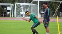 Muhammad Iqbal menepi sepekan pada TC Timnas Indonesia U-19. (Bola.com/Ronald Seger)