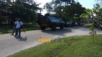 Aparat kepolisian terdiri dari Densus 88 Anti-Teror dan Brimob disertai dengan mobil Baracuda, mendatangi Gelanggang Mahasiswa FISIP Universitas Riau, Sabtu, 2 Juni 2018, di Kampus Bina Widya, Panam, Pekanbaru. (Riauonline.co.id)