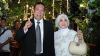 Selain selebriti yang hadir, acara itu juga dihadiri oleh Wakil Gubernur Jawa Barat, Deddy Mizwar. Artis senior yang akan mencalonkan Gubernur pada Pemilu mendatang itu hadir didampingi sang istri. (Deki Prayoga/Bintang.com)