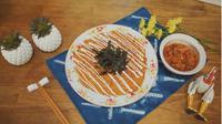 Resep Telur Dadar Kimchi ala Korea, Cocok Jadi Lauk Saat Sahur. (dok. Screenshot vidio.com/kokiku tv)