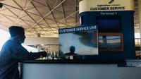 Customer service live di Bandara Juanda, Sidoarjo, Jawa Timur. (Foto: Liputan6.com/Dian Kurniawan)