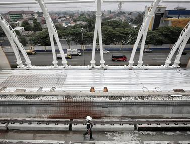 Pembangunan Stasiun LRT TMII